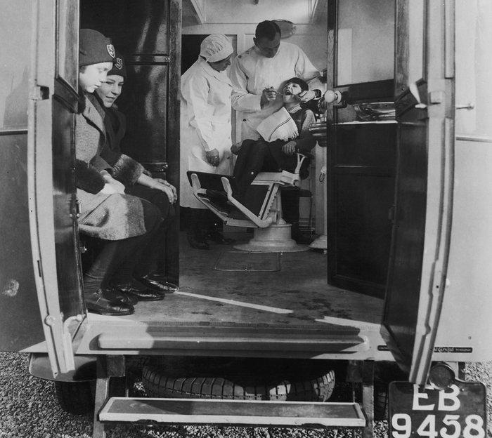 14. Мобильная стоматология в Англии, Кембриджшир – 1931 год.