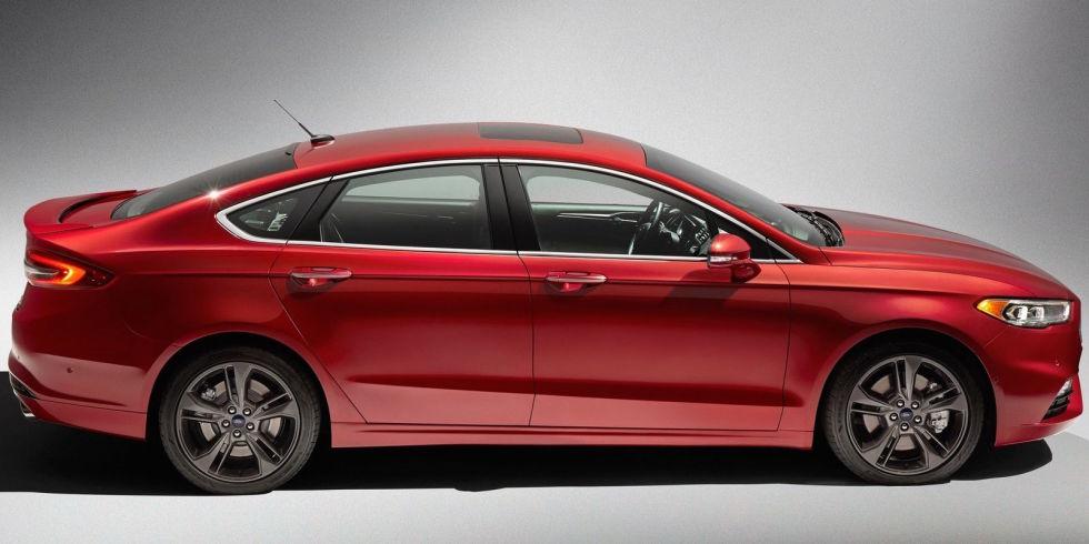 4. Ford Fusion V6 Sport -325 л.с. - $33 850.