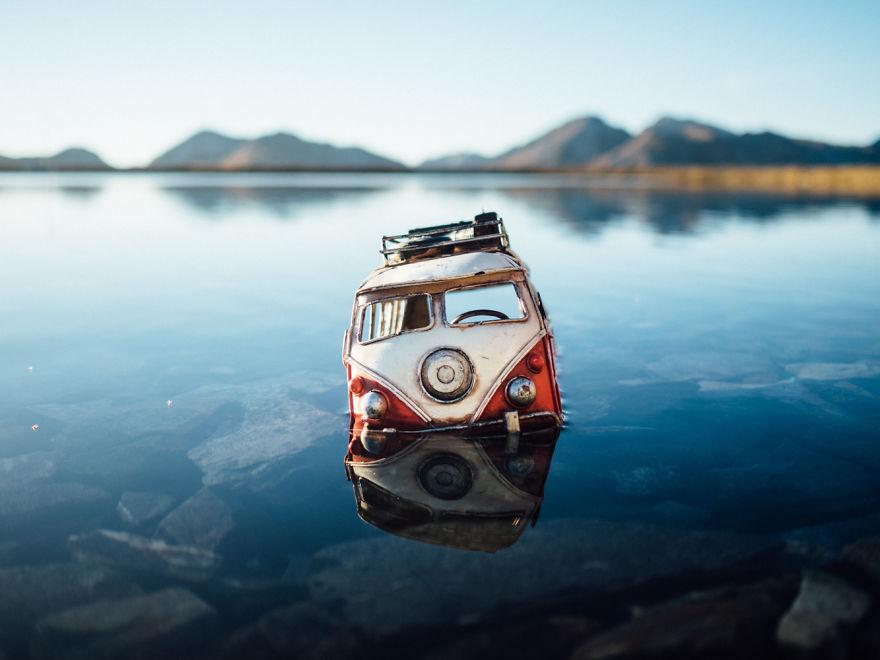 40. В озере возле горы Якобсхорн (Швейцария).