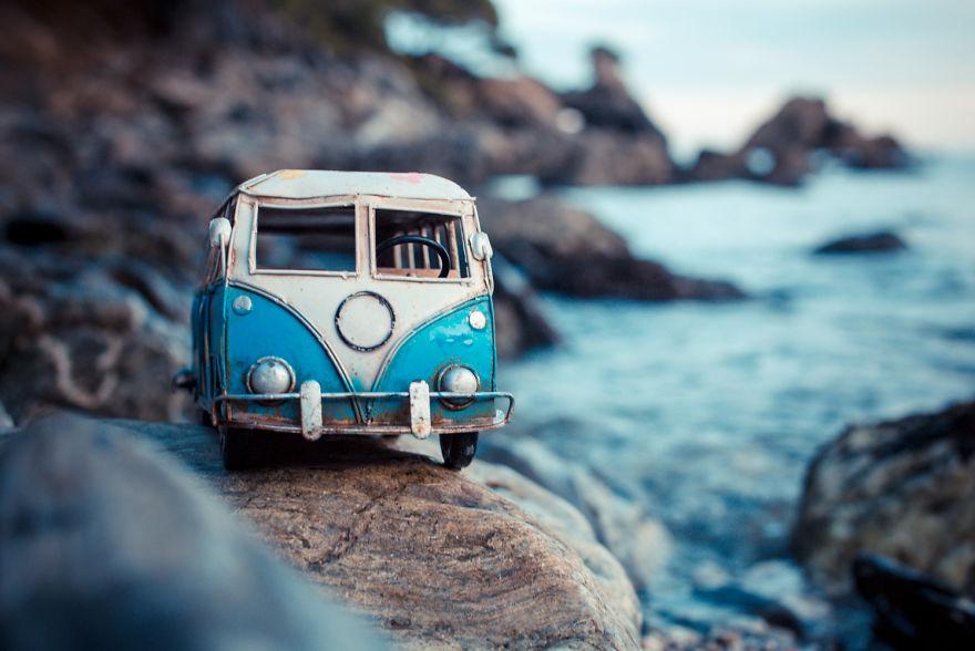 43. На пляже Кала-Ростелья (Испания).