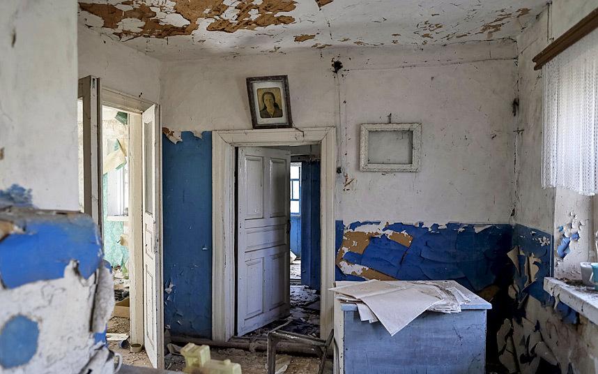 15. Покинутый в спешке дом в Залесье.