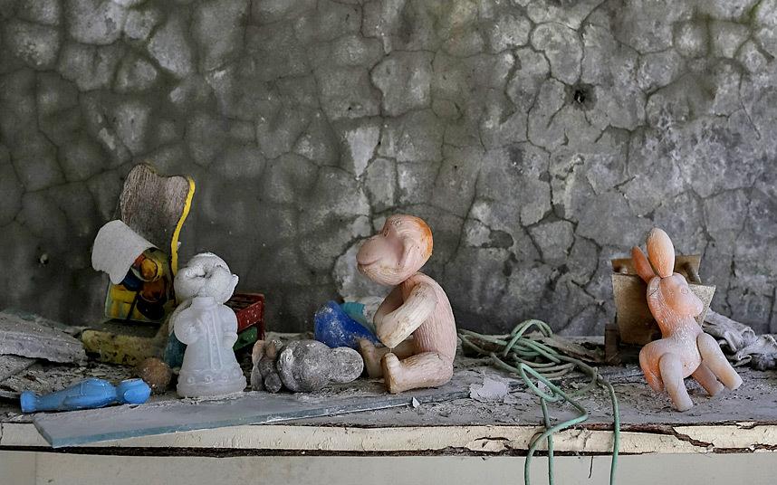 3. Оставленные 30 лет назад детские игрушки.