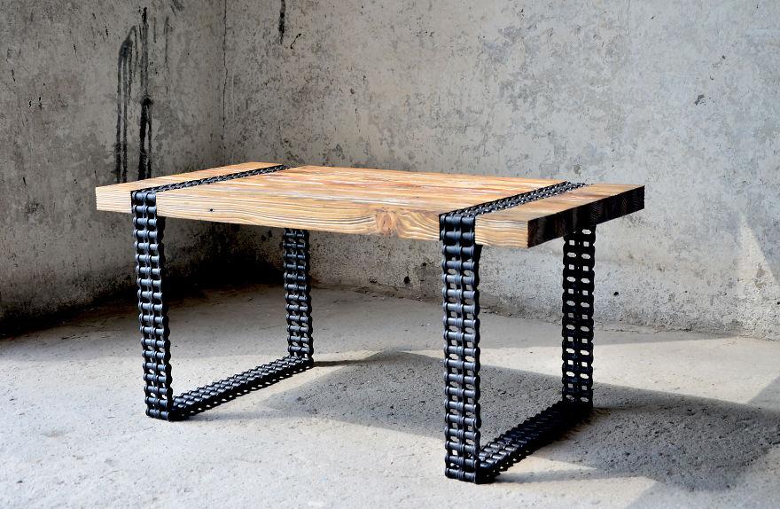 6. Итоговый результат – очень оригинальный и стильный стол!