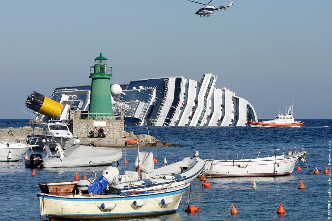 6. Крушение Costa Concordia у побережья Тосканы привлекает внимание экскурсоводов уже более двух лет.