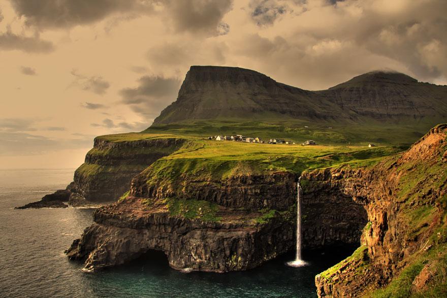 3. Гасадалур, Фарерские острова.