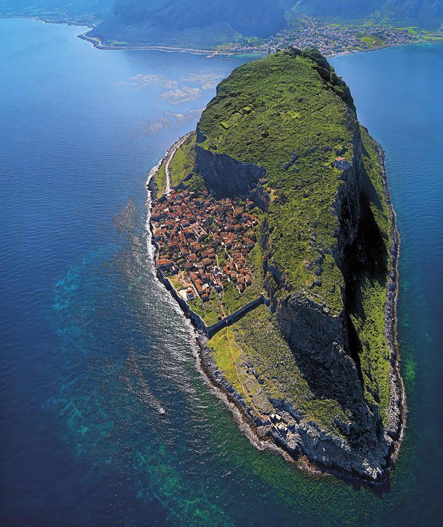 9. Монемвасия, Греция.