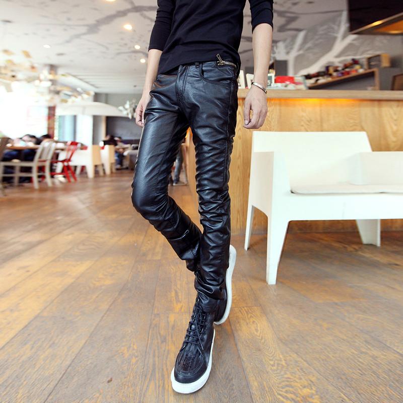 7. Носите кожаные брюки только в том случае, если вы являетесь брутальным бородатым байкером на мощном харлее. Во всех других случаях кожаные брюки противопоказаны.