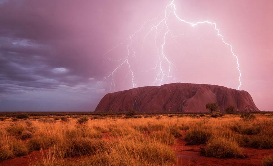 34. «Могущественное видение», Улуру, Австралия.