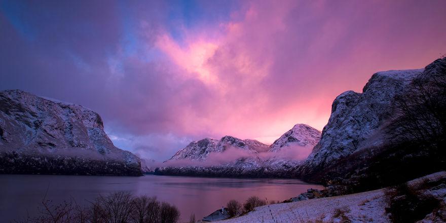 1. Зимний закат над Аурландс-фьорд.