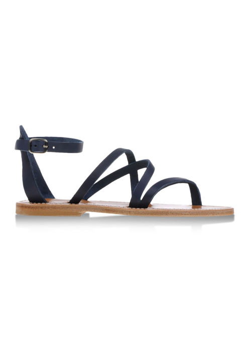 10. Плоские сандалии.