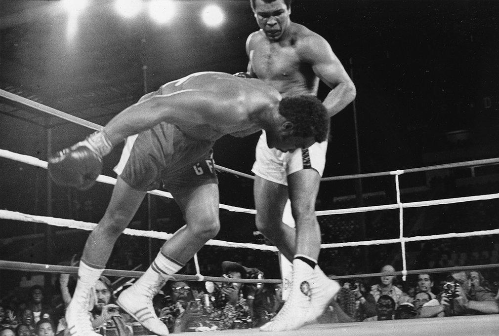 11. «Грохот в джунглях» - легендарный бой Али и Формана.