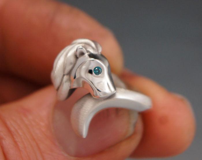 13. Кольцо со львом – отличный подарок, особенно соответствующему знаку зодиака.