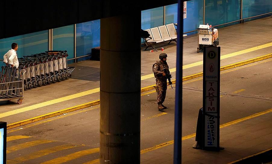 11. Раненых развезли по всем медучреждениям Стамбула.