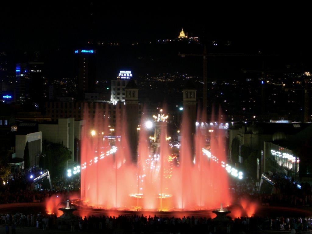 9. Магический фонтан Монжуика.