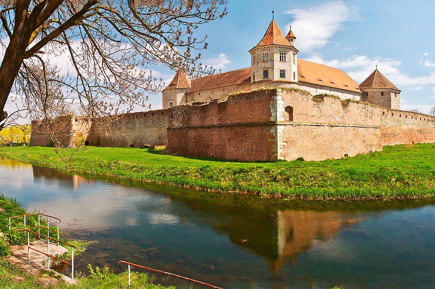 8. Замок Фэгэраш.