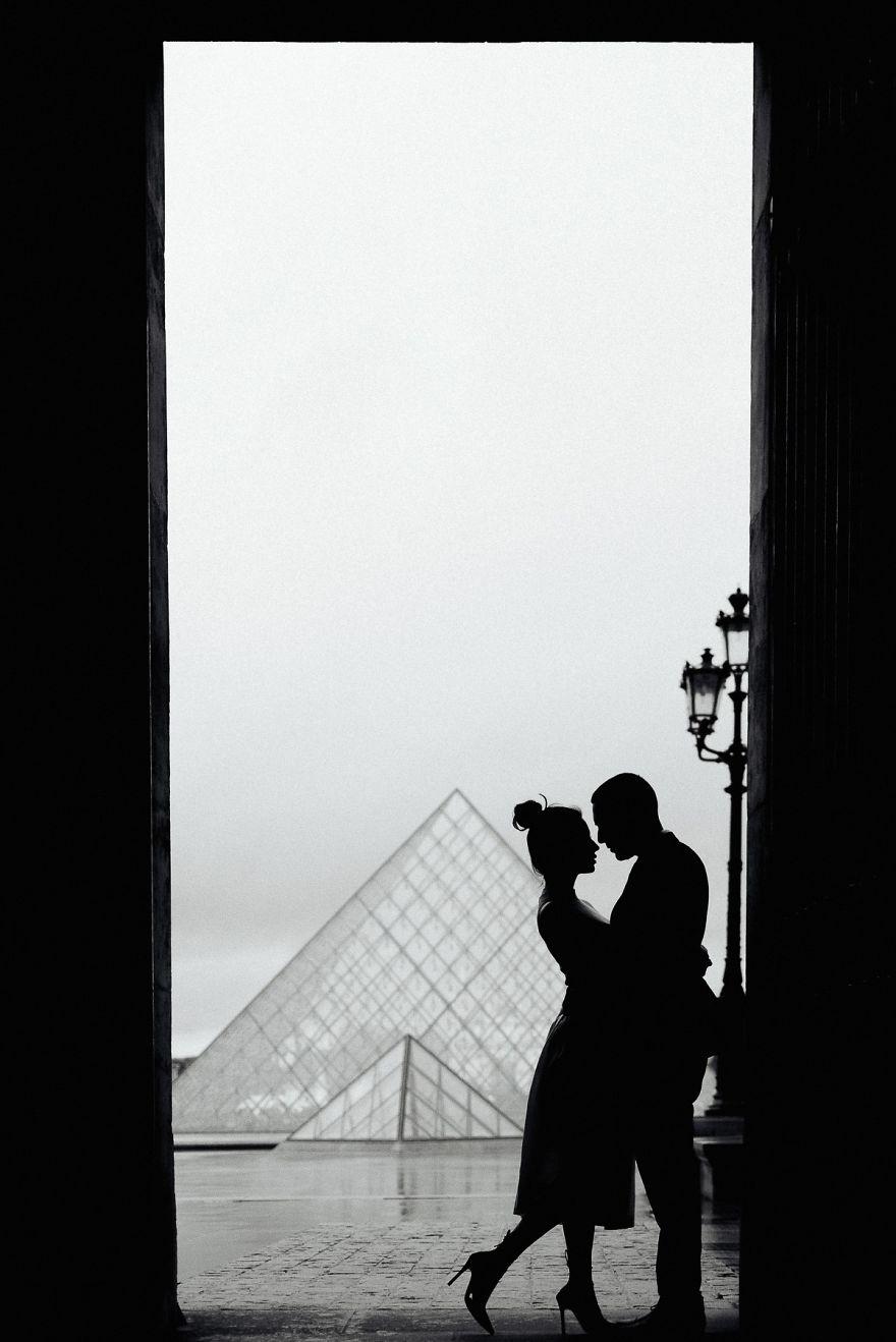 24. Элегантная и фантастическая фотография – Поцелуй в Париже. Фотограф – Глория Вилла.