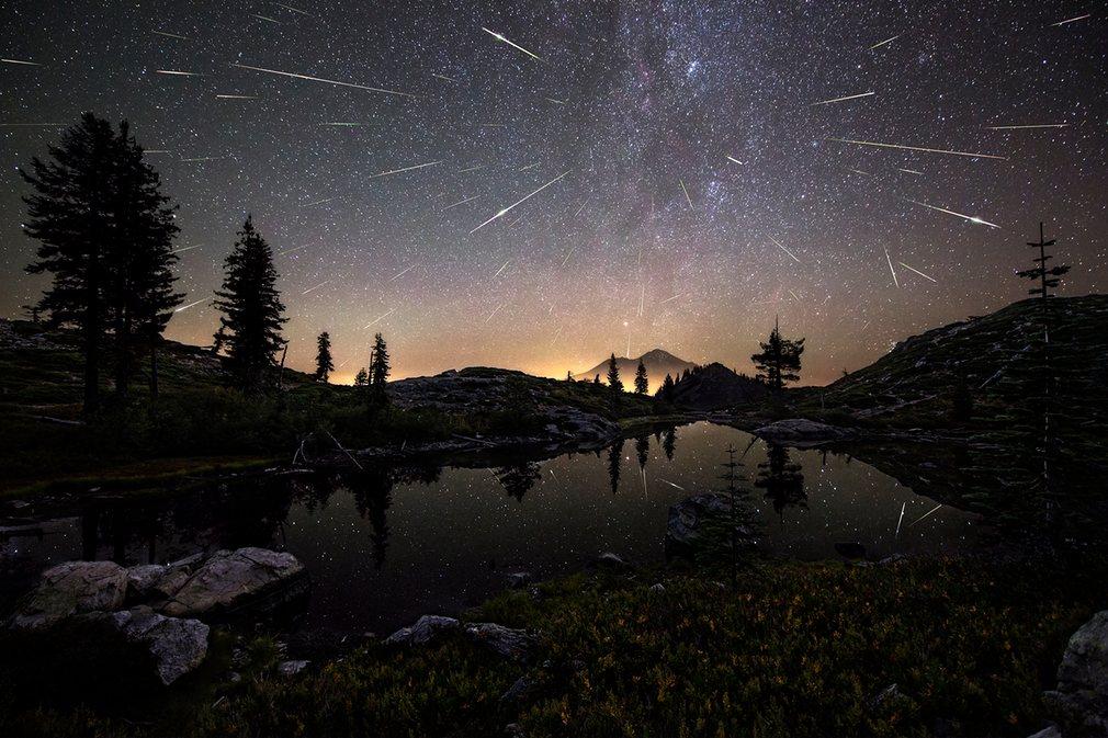 1. Брэд Голдпэйнт (США) – Точка возгорания. Персеиды — метеорный поток, ежегодно появляющийся в августе со стороны созвездия Персея.