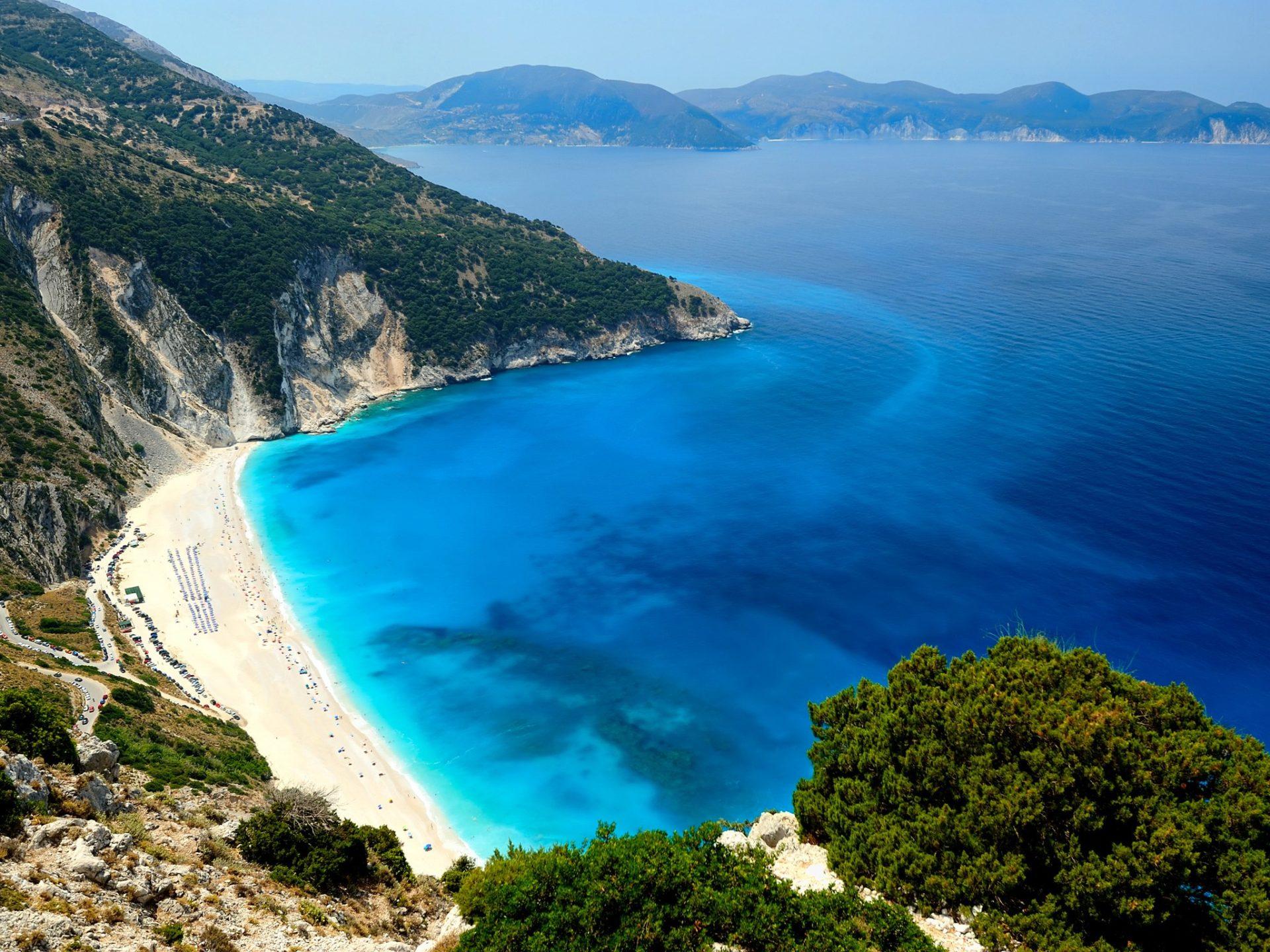 9. Пляж Миртос, остров Кефалония, Греция.