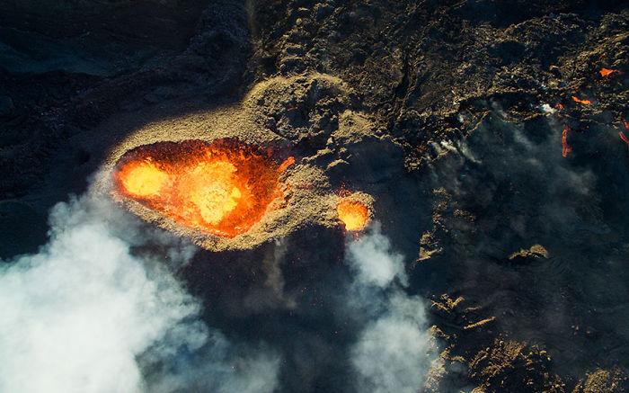 6. Третье место заняло фото вулкана Питон-де-Ла-Фурнез.