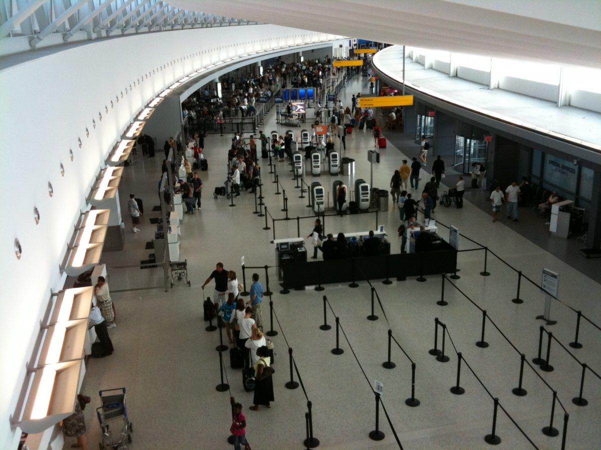 2. Международный аэропорт имени Джона Кеннеди. Пассажирооборот – 56 827 154 пассажиров.