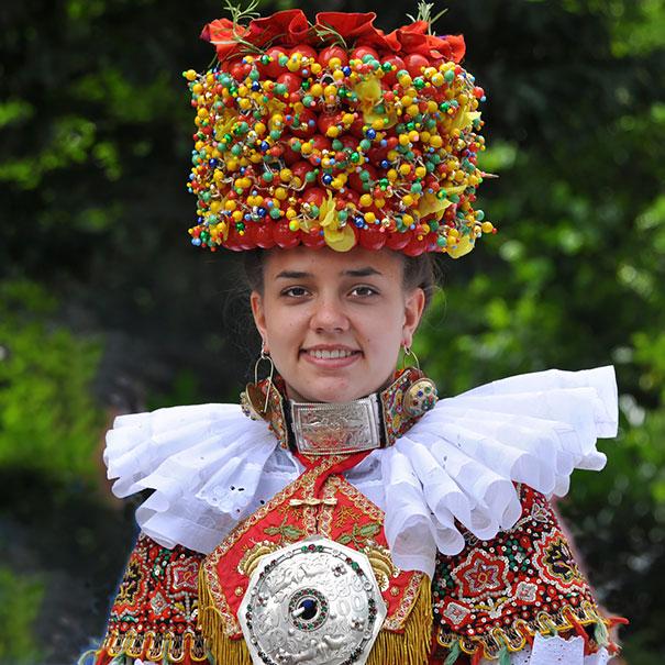 18. Традиционный наряд невесты в немецком княжестве Шаумбург-Липпе.