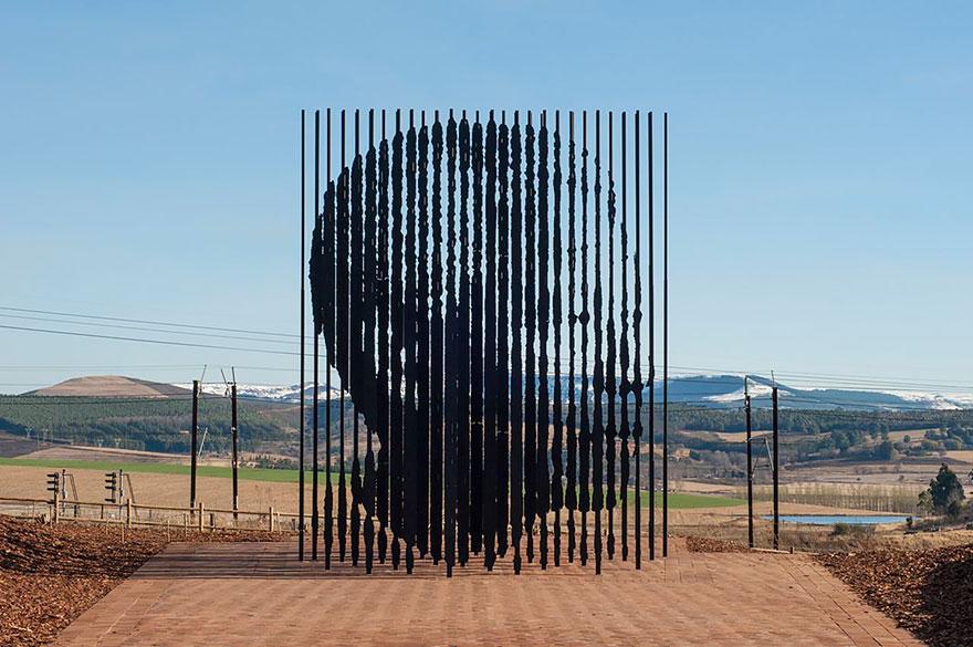 15. Нельсон Мандела, Южная Африка.
