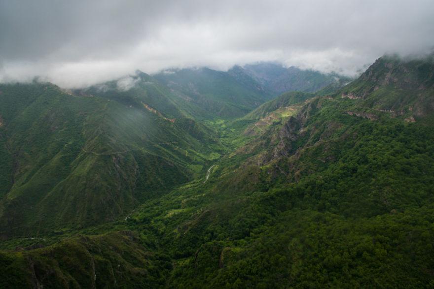 8. Ущелье реки Воротан, Сюникская область.