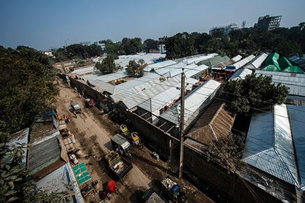 6. Бордель Кандапара в одном из районов города Тангайл является самым старым и вторым по величине в Бангладеш. В нем живут и работают более 700 проституток вместе со своими детьми.