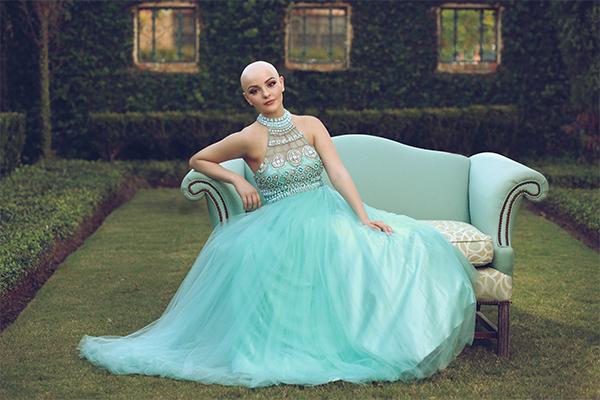 8. Фотограф так и назвал фотосессию «Принцесса без парика».