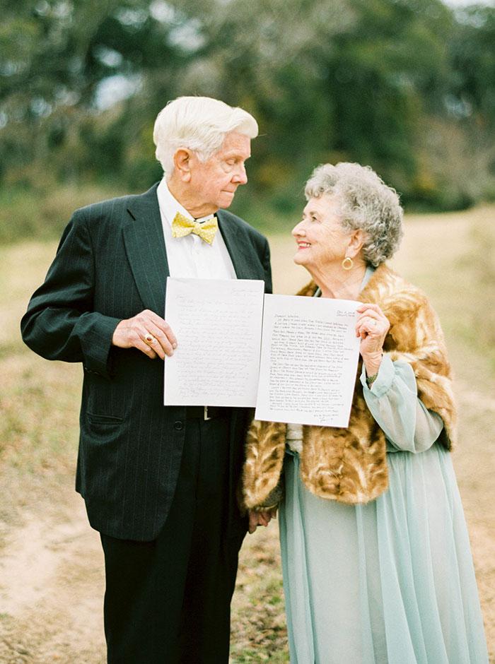 7. В рамках фотопроекта Шалин попросила бабушку с дедушкой написать друг другу любовные письма. Особенно трогательным получилось письмо Джо Ванде.