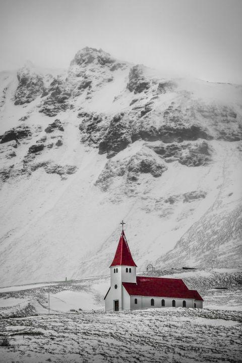 8. Церковь в деревне Вик.