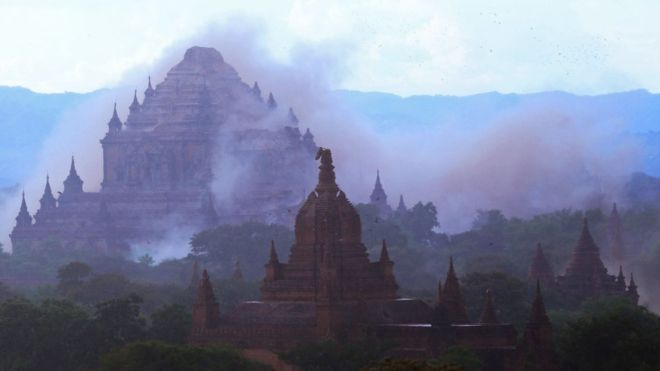 1. Землетрясение магнитудой 6,8 баллов повредило десятки древних сооружений.