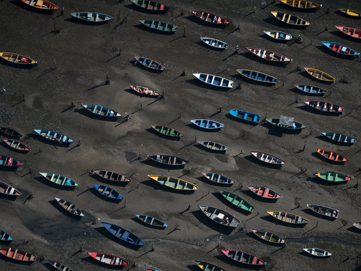 11. Опасность представляют и фекальные бактерии. Так их количество в воде на пляже Копакабана превышает безопасную норму в пять раз.
