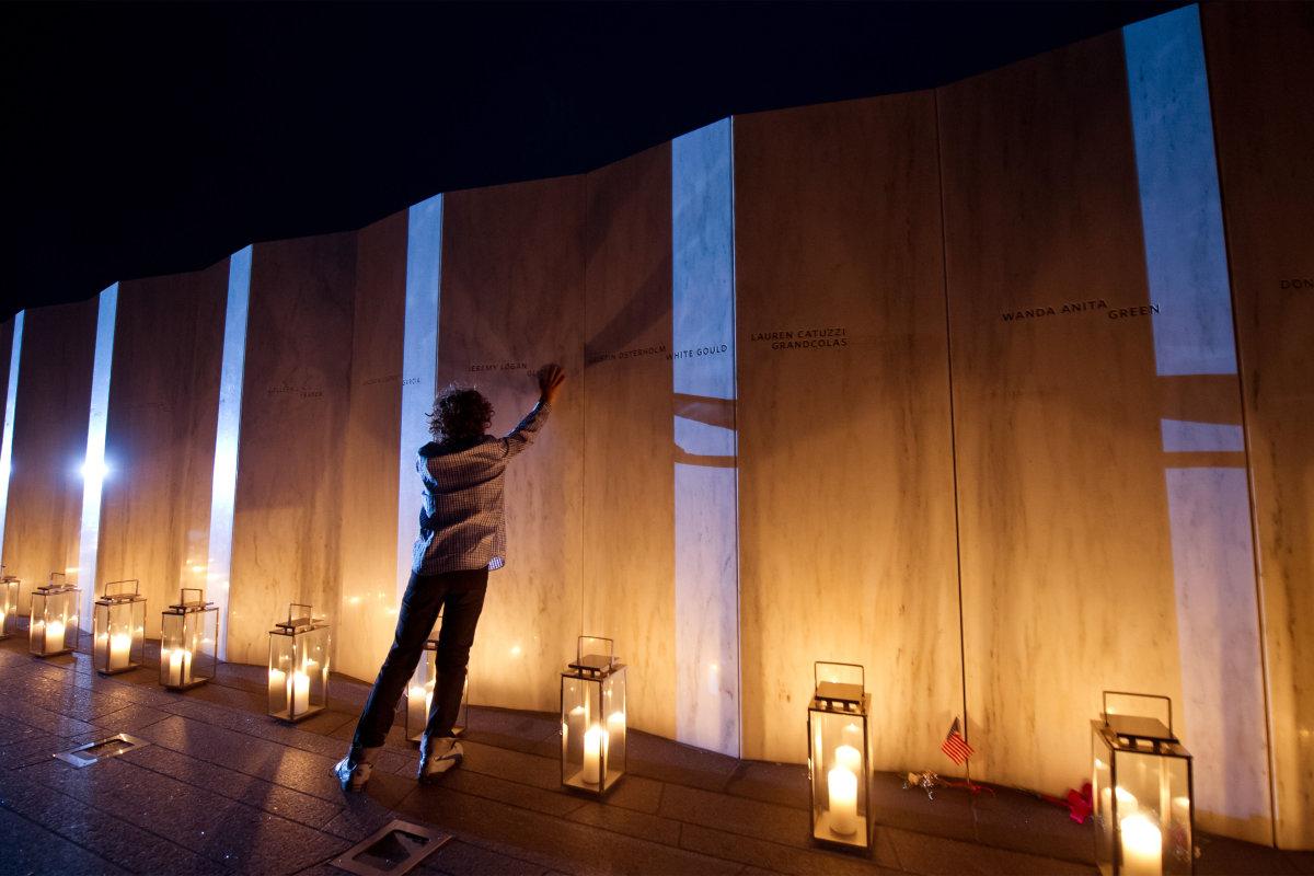 10.Логан Харвитт потеряла 11 сентября своего дядю.