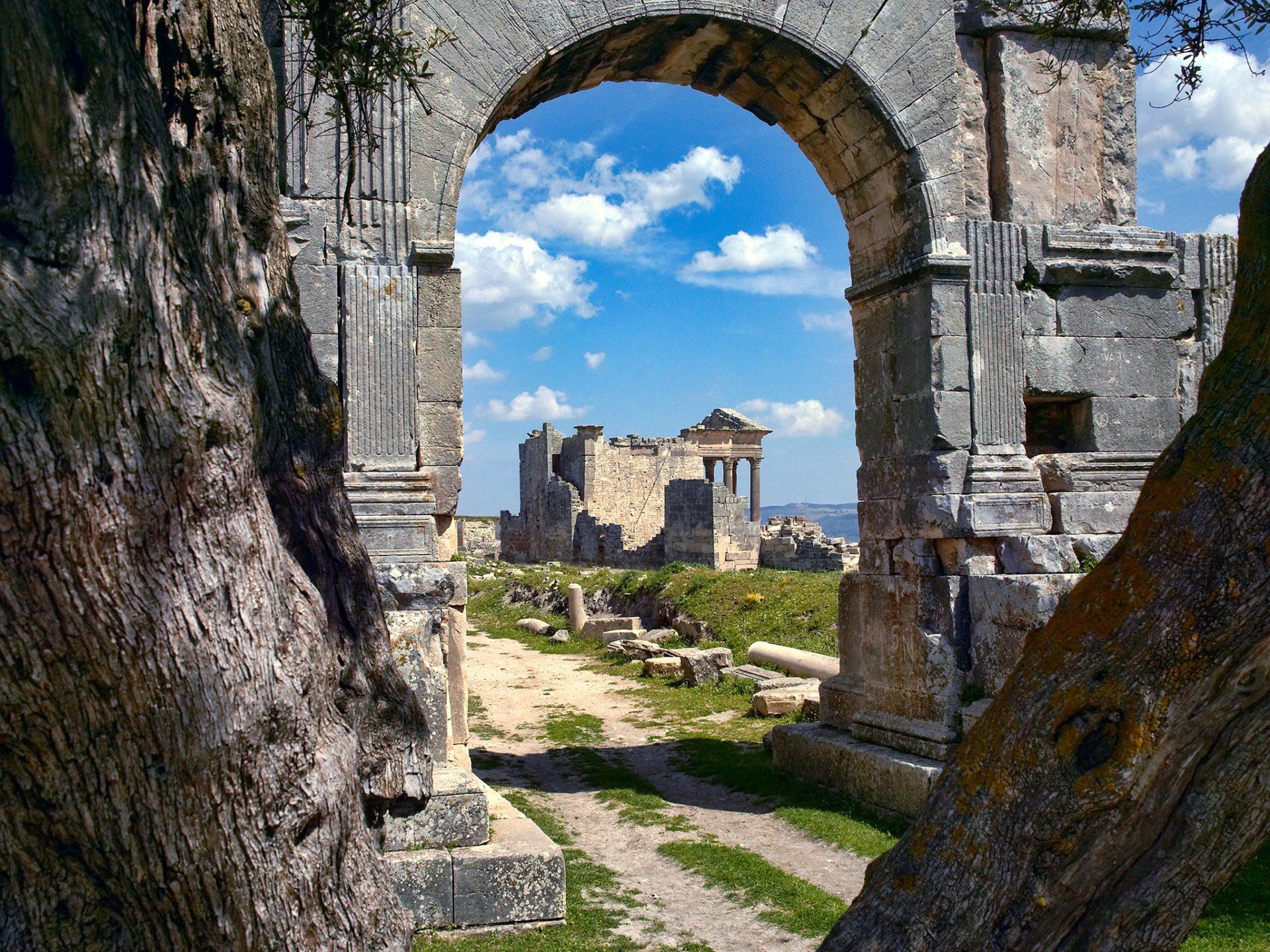 15. Римские руины Дугга, Тунис.