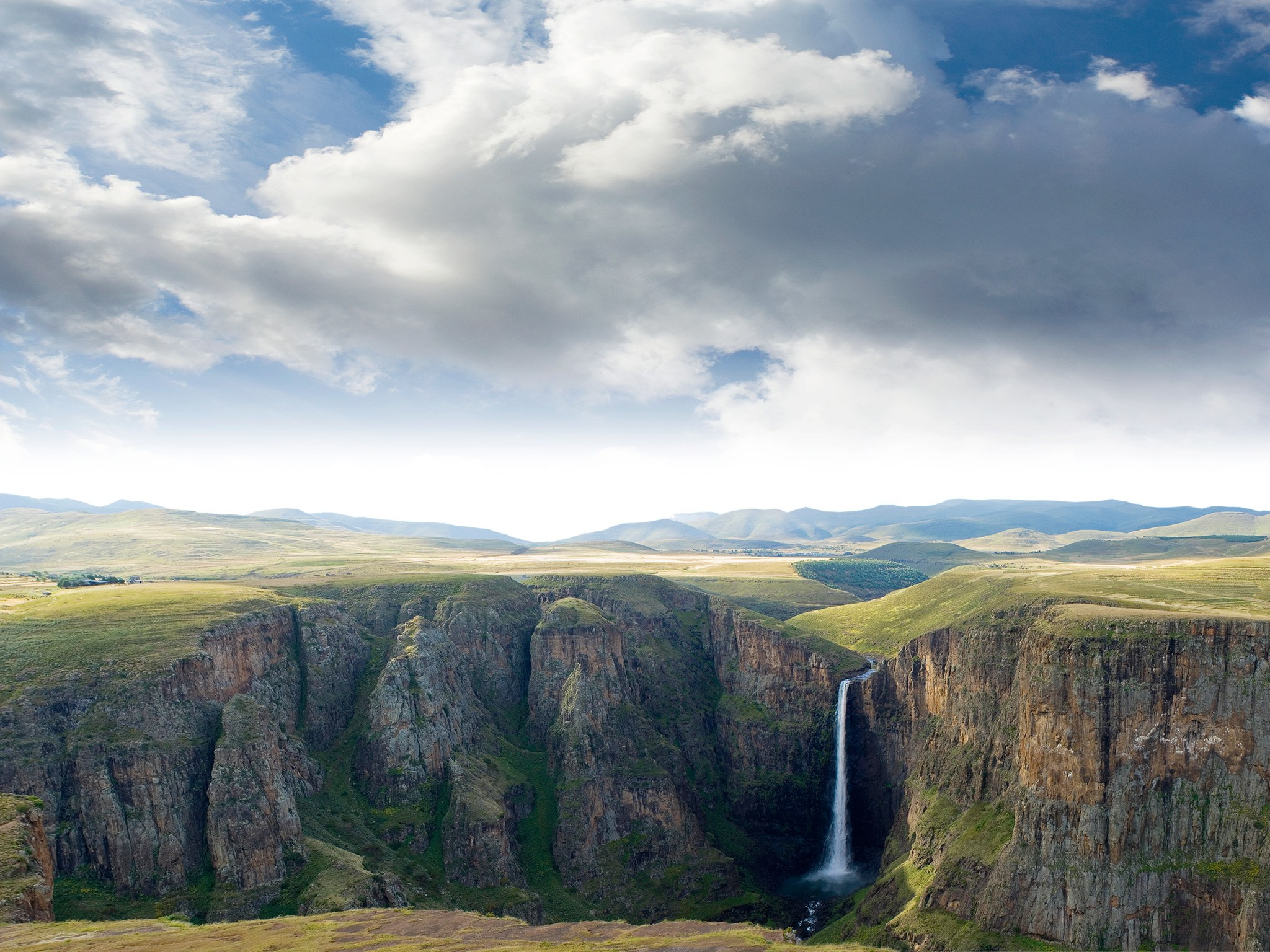 17. Водопад Малетсюнейане, Лесото.