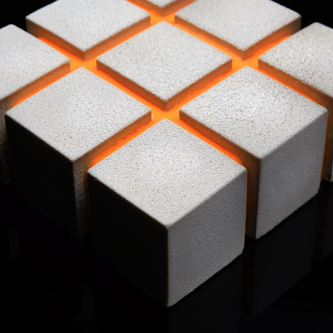 14. Все десерты Динара выпекает с своих авторских формах из силикона. Формы смоделированы в 3D редакторе.