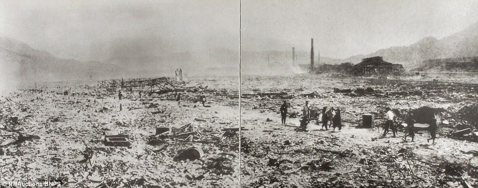 1. Коллекция жутких снимков сделанных японским военным фотографом Еске Ямахата демонстрируют ужас и отчаянное положение, в котором оказались выжившие после бомбардировки.