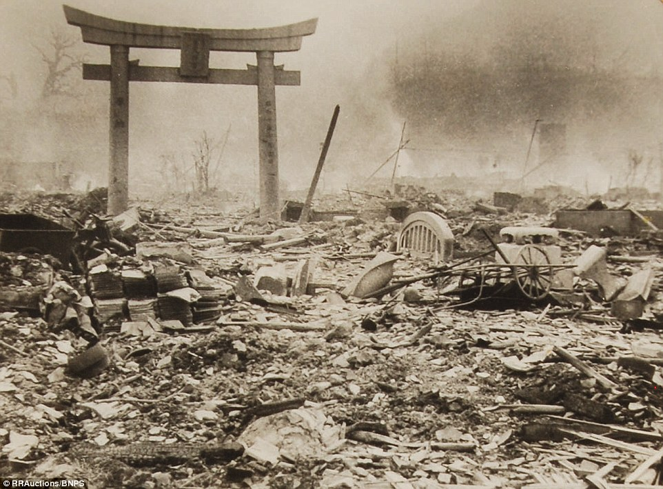 12. Еске Ямахата умер в возрасте 48 лет в 1966 году от рака, который, как полагают, был вызван обширным воздействием радиации.