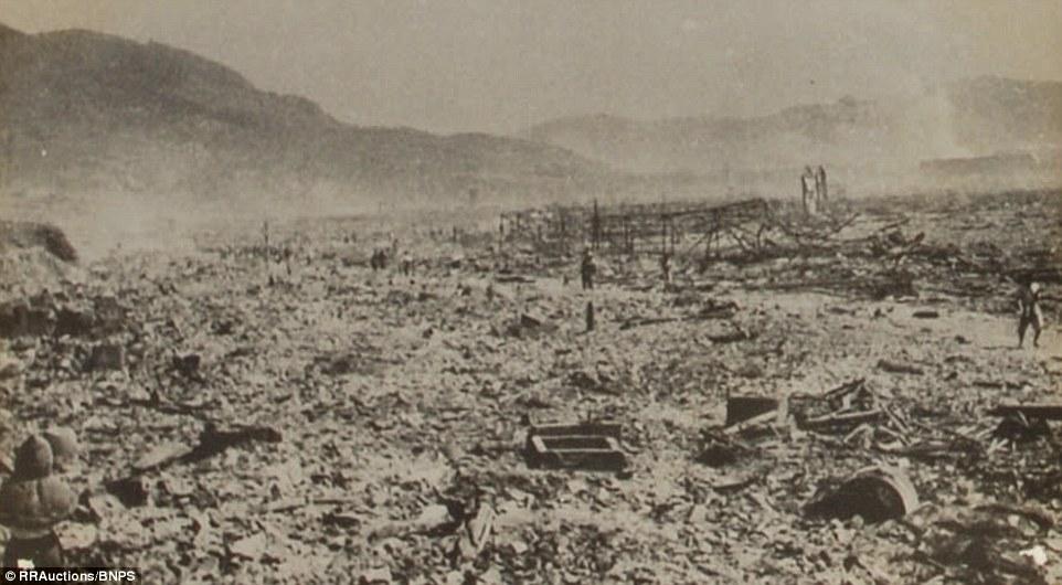 6. Однако все фото были реквизированы по приказу генерала Дугласа Макартура с целью сокрытия реальной картины разрушений.