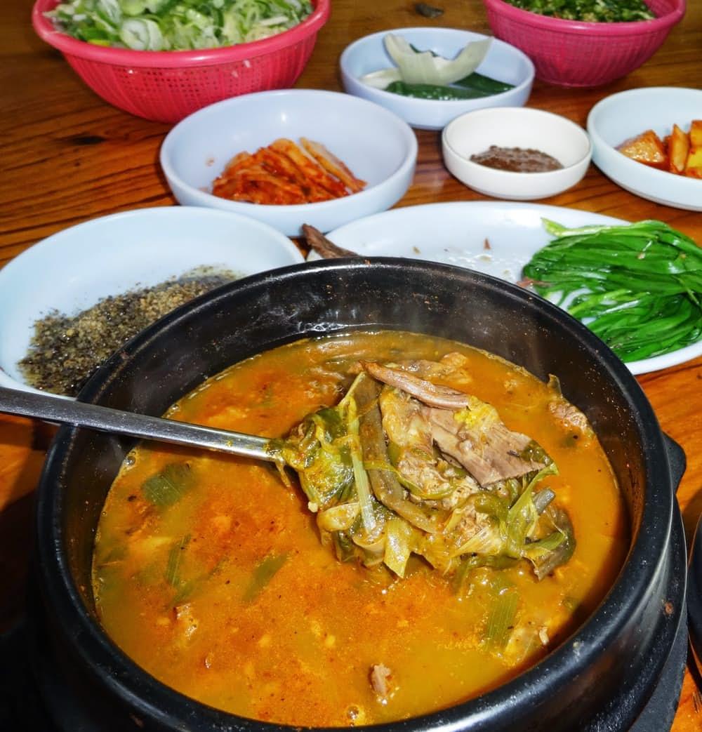 8. Bosintang или суп из собаки.