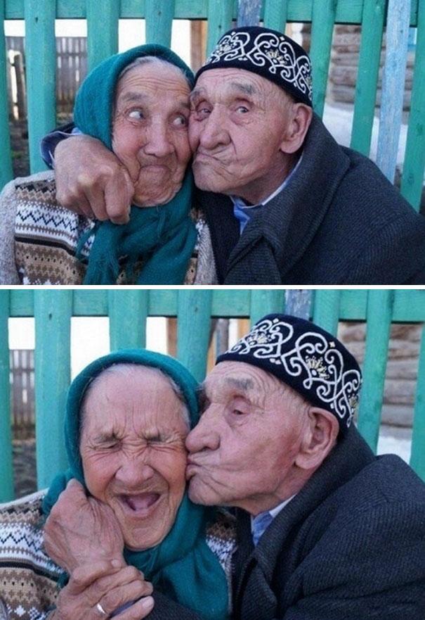 1. Пожилая пара из российской деревни Халилово: 65 лет счастливого брака.
