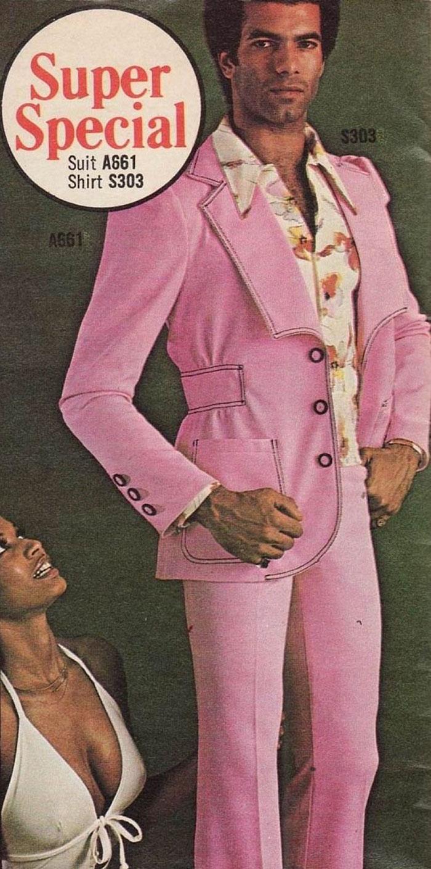 9. Смелый розовый мужской костюм.