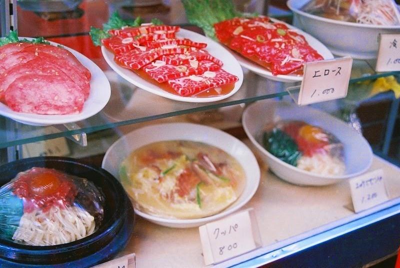 7. Изготовление пластиковой еды – само по себе искусство, хранящее свои секреты.