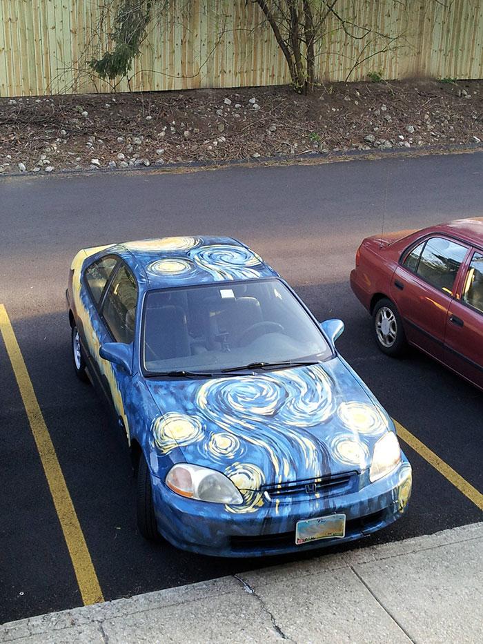 7. Автомобиль в стиле Ван Гога.
