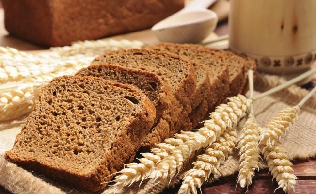 7. Цельнозерновой хлеб.