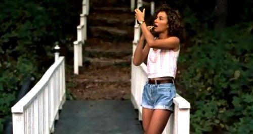 4. Грязные танцы. На главной героине джинсовые шорты, которые стали носить в 80-х, в то время как фильм о 60-х.