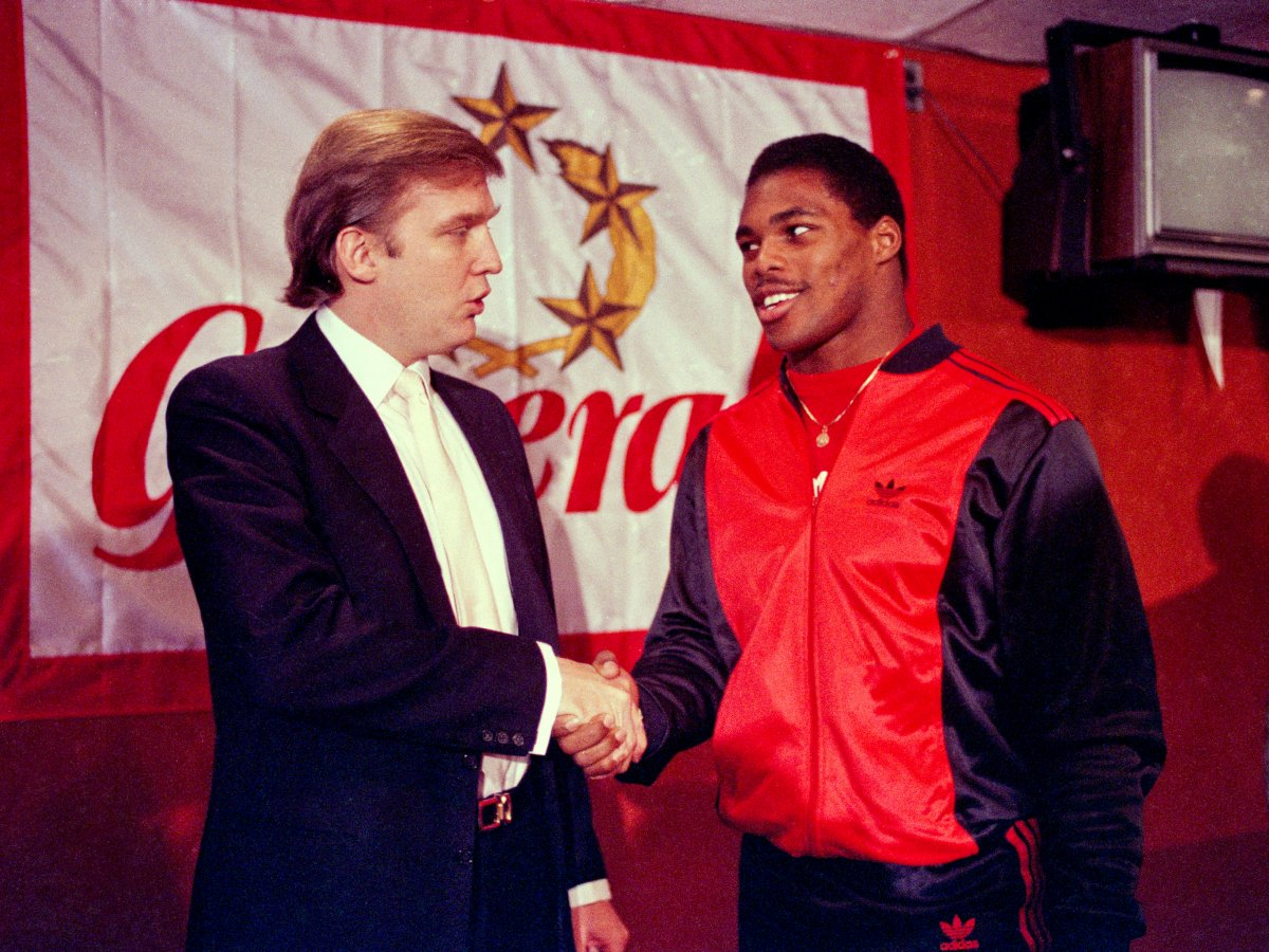 4. Трамп также был владельцем команды Нью-Джерси футбольной лиги США.