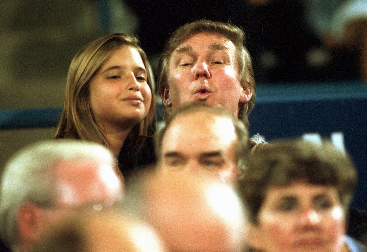 9. Дональд Трамп и его дочь Иванка на теннисном матче в Нью-Йорке.