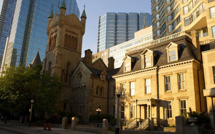 9. «Ганнибал»: дом и офис доктора Лектера – Торонто, Канада.